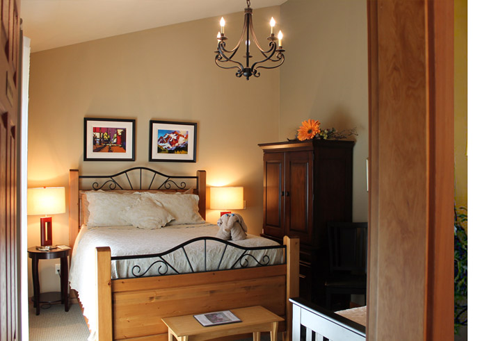 Windborne B&B Driftwood room bed